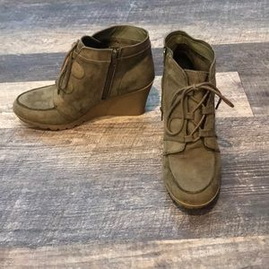 Maurice's olive green wedge booties